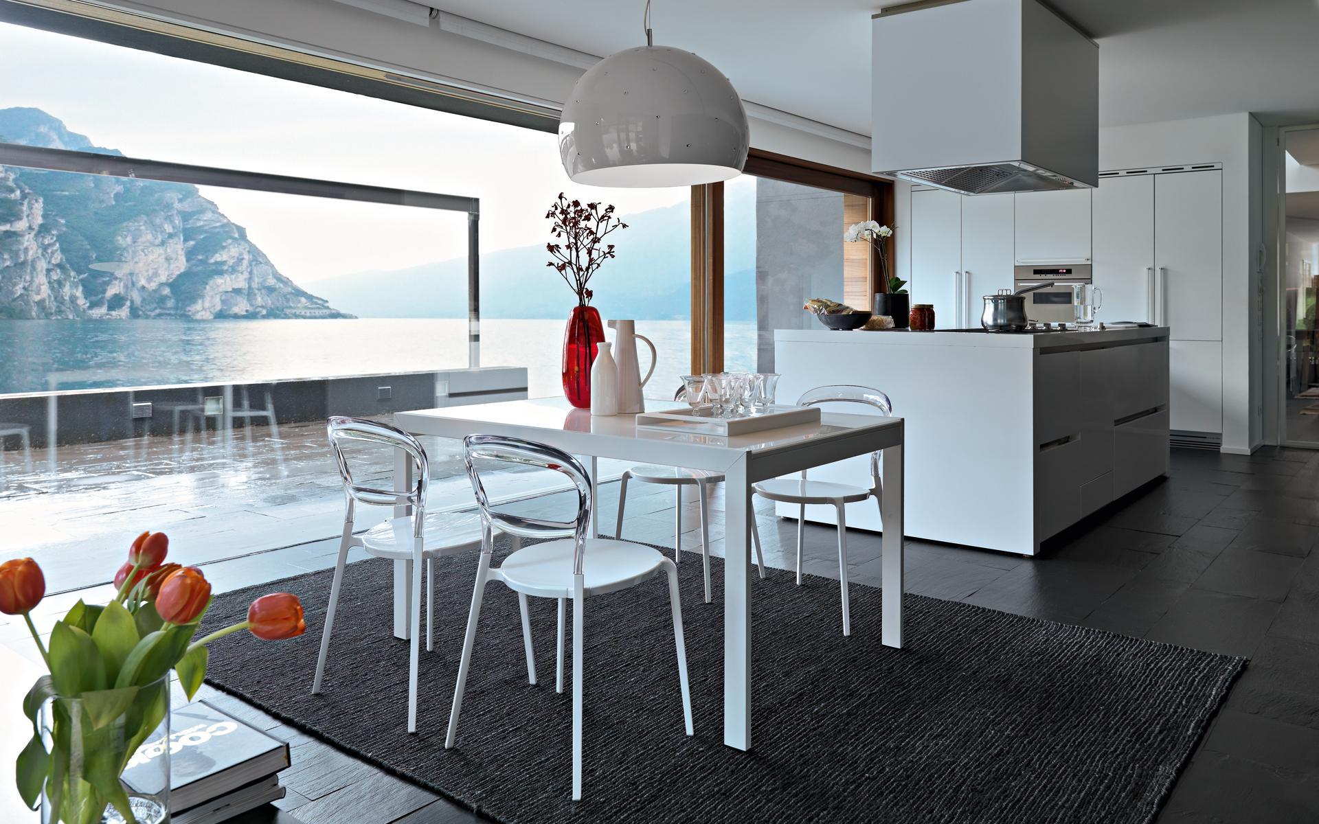 Arredo moderno apuzzo mobili dal 1953 for Tavoli e sedie da cucina calligaris